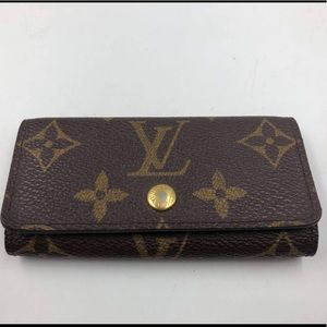 Louis Vuitton 4 Key holder